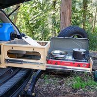 Nomad Kitchen: la cocina portátil para camperizar desde un Tesla Model X a un Volvo V60