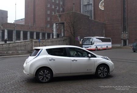 Nissan LEAF 2013 presentación en Oslo 05