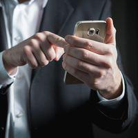 Tus 'swipes' te delatan: científicos aseguran que te pueden reconocer en cualquier móvil por cómo tocas la pantalla