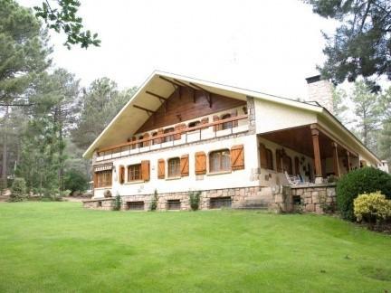 Casa de montaña en Navas del Marqués en venta
