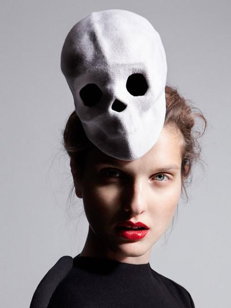El maquillaje de la colección Orfeo de Nicolas Vaudelet, una estética surrealista y ambigua