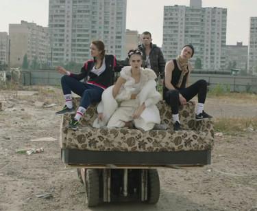 Cuando (buena) música y moda se unen salen temazos como el de Kamikaze de MØ