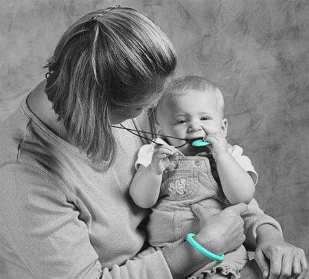 Día de la madre: collar para que los niños muerdan