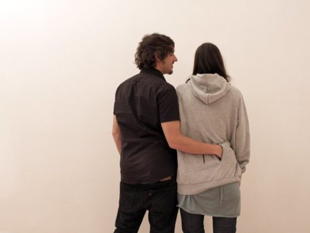 Sudadera Hold-Me, para románticos frioleros