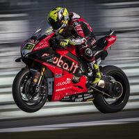 """Cada victoria de Álvaro Bautista es """"un suicidio"""" para Ducati, que ya se plantea subirle a la MotoGP oficial"""