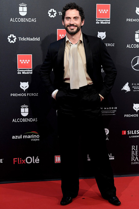 Paco Leon Red Carpet Feroz Awards 2020