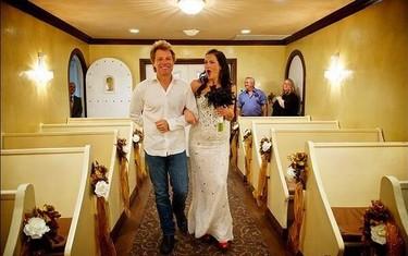 De esto que te estás casando... ¡Y en tu boda aparece tu ídolo Bon Jovi!