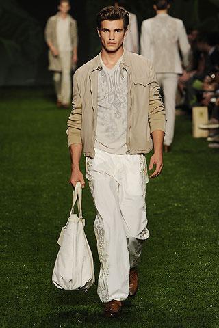 Foto de Etro, Primavera-Verano 2011 en la Semana de la Moda de Milán (8/10)
