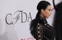 Kim Kardashian y sus transparencias de Proenza Schouler en los CFDA