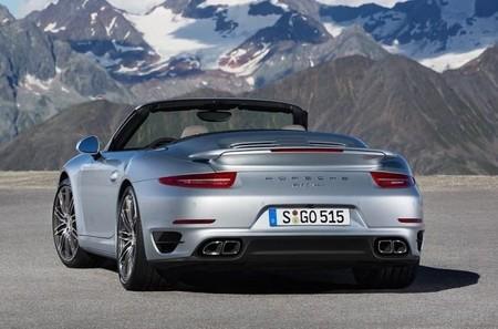 Nuevos 911 Turbo Cabriolet: potencia y eficiencia al aire libre