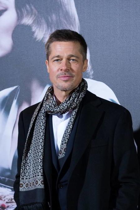 """Brad Pitt domina el look de la temporada en la premiere de """"Allied"""" en España"""
