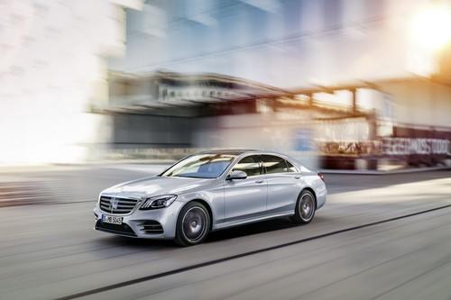 El Mercedes-Benz Clase S da masajes, perfuma el ambiente y es más eficiente ahora