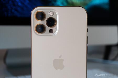 Los iPhone 13 de 1 TB claman poder hacer copias de seguridad en discos externos, pero aún hay demasiados inconvenientes para ello