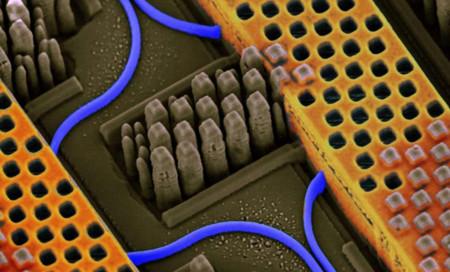 Nano Photonics 2015 09 28 01