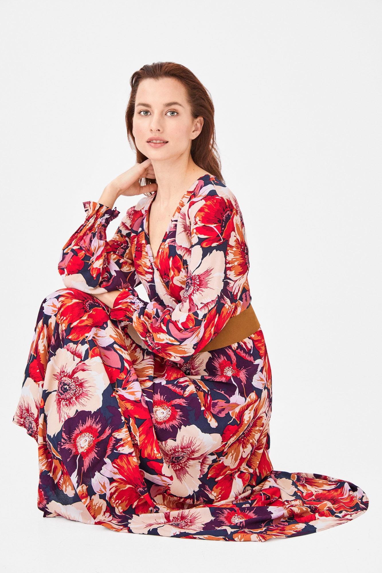 bcf577b5ef Cortefiel mujer tiene estos 15 vestidos tan bonitos de nueva temporada (y  también en rebajas) para lucir en primavera