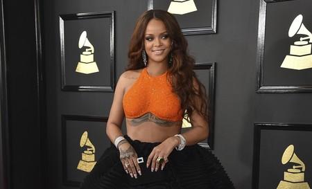 Metalizados, nude y hasta piercings en las uñas. Estas son las manicuras vistas en los Grammy 2017