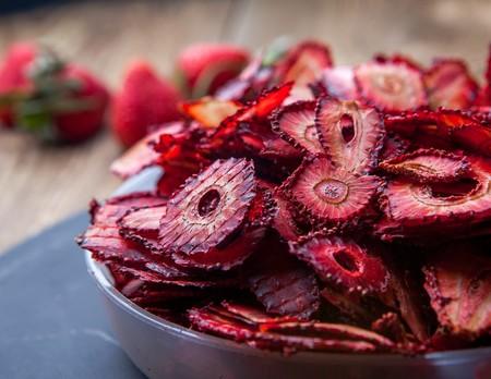 Como Hacer Fruta Deshidratada En Casa Postre Saludable Familia Ecologia Ecologic