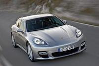 Porsche Panamera Turbo, coche del año 2009 por la revista Playboy