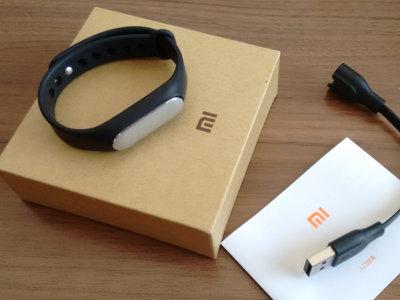 Probamos Mi Band 1S: una pulsera sencilla, funcional y muy barata