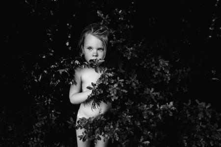 Niki Boon retrata la infancia de sus hijos alejados de la era digital a través de emotivas fotografías