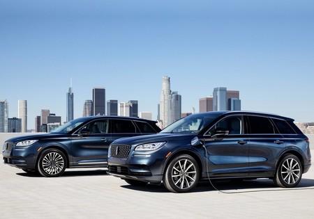 Lincoln Corsair Grand Touring: se suma un sistema híbrido enchufable al SUV más pequeño de la marca