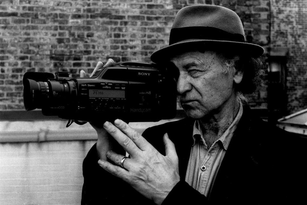 Die Jonas Mekas, the myth of the underground film, the 97-year-old