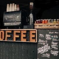 ¿Cuánta cafeína hay en mi vaso? A examen los diferentes cafés, refrescos y bebidas energéticas (y cuál es mejor para espabilarnos)