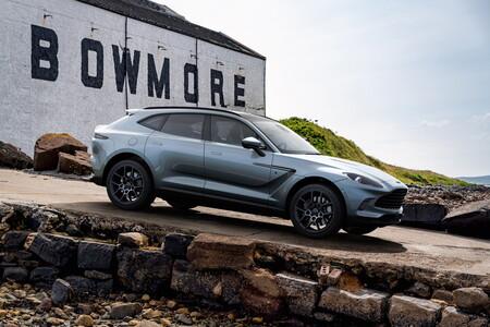 Aston Martin DBX Bowmore Edition 2021, el SUV deportivo que lleva el nombre del famoso whisky escocés