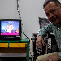 Humberto Vélez regresó como Homero Simpson después de 15 años para el corto especial de 'Los Simpson' y 'Loki' en Disney+