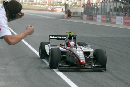 Victoria de Kobayashi y podio para Roldán en Dubai