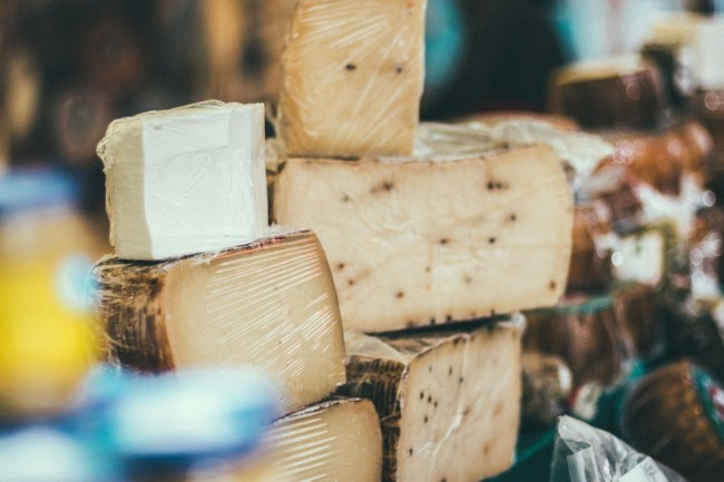 Análisis nutricional de diferentes tipos de quesos