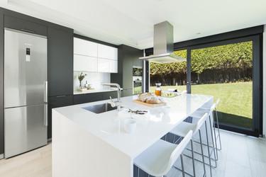 La cocina conectada con el jardín: un sueño de verano