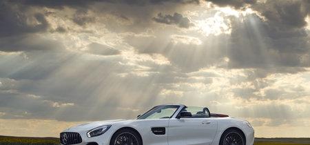 """Probamos el Mercedes-AMG GT Roadster: el deportivo """"básico"""" de Affalterbach que pone los pelos de punta"""
