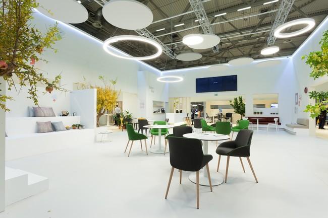 Mobiliario innovador con sensores inteligentes lo último de Actiu para mejorar nuestras oficinas