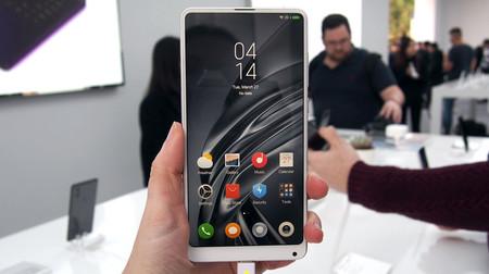 Xiaomi Mi MIX 2S, primeras impresiones: una prometedora cámara doble y una Inteligencia Artificial que sabe a poco