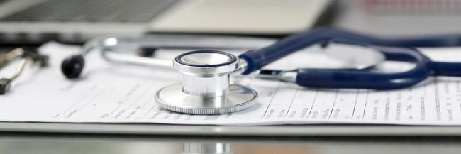 estetoscopio-medico-enfermo