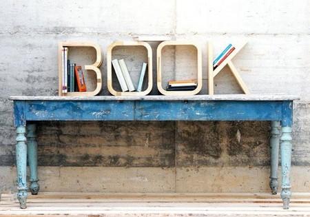 Letras decorativas utilizadas como pequeños estantes