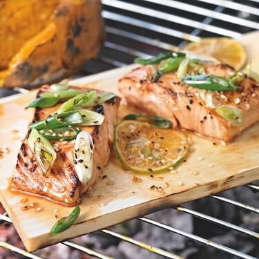 Cómo aprovechar un salmón noruego entero en la barbacoa este verano
