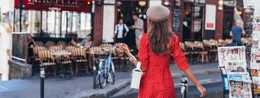 Con estas siete fórmulas para combinar un vestido rojo con zapatos y bolso es fácil triunfar por todo lo alto