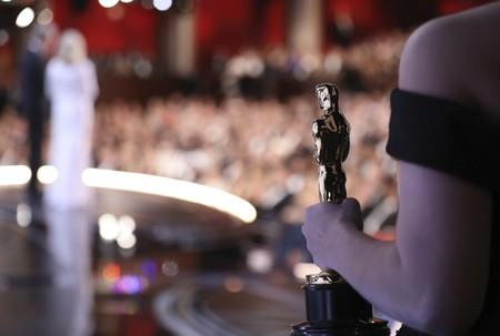 Esto es lo que hay dentro de la bolsa de regalos de los nominados a los Oscar: desde vacaciones en Hawaii hasta comida para perros