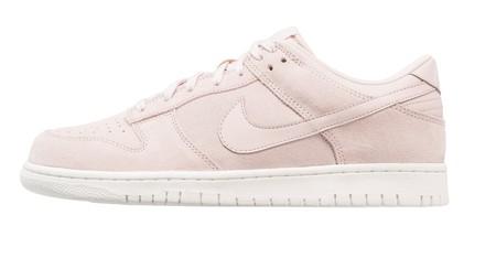 Por 37,95 euros podemos hacernos con unas zapatillas de Nike Sportswear Dunk Low en Zalando con envío gratis