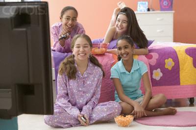 TV en la habitación de los adolescentes y sus influencias sobre el estilo de vida