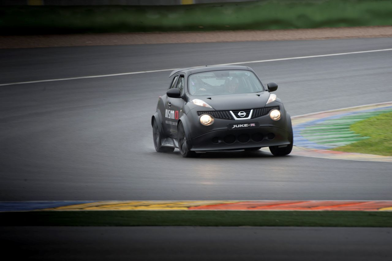 Foto de Gama deportiva Nissan (47/50)