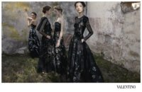 Un día Valentino despertó y se encontró con estas diosas griegas. Campaña Primavera-Verano 2012