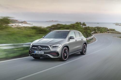 El Mercedes-Benz GLA 2021 evoluciona en una segunda generación tan chic como aventurera