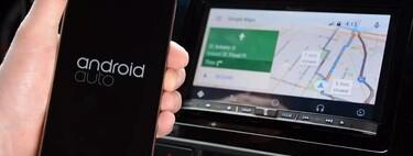 Cómo ver vídeos de YouTube y del móvil en el coche usando Android Auto