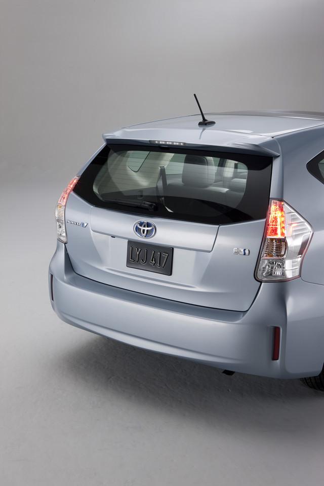 Foto de 2011 Toyota Prius v (48/77)