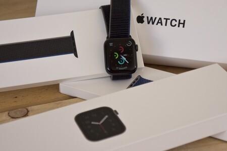 """El Apple Watch SE tiene un descuento de 20 euros en El Corte Inglés: el smartwatch """"económico"""" de Apple todavía más barato"""