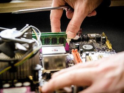 ¿Cuál es el periodo de vida útil de la tecnología en la empresa?