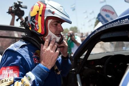 Carlos Sainz correrá el Dakar junto a Nasser Al-Attiyah